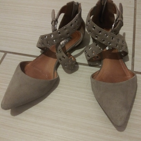 c5fb172fc9a Halogen Shoes - Halogen Nordstrom Pointed Toe Flat 6.5 Taupe Suede